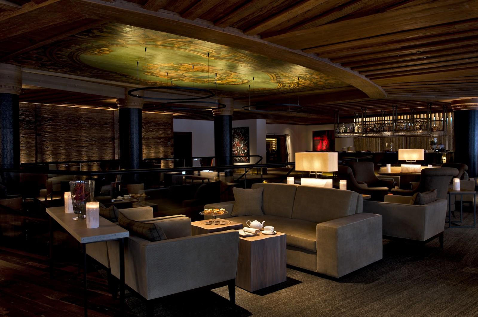 Alpina Lounge & Bar