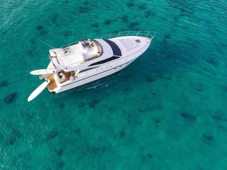 Coastal boat cruises
