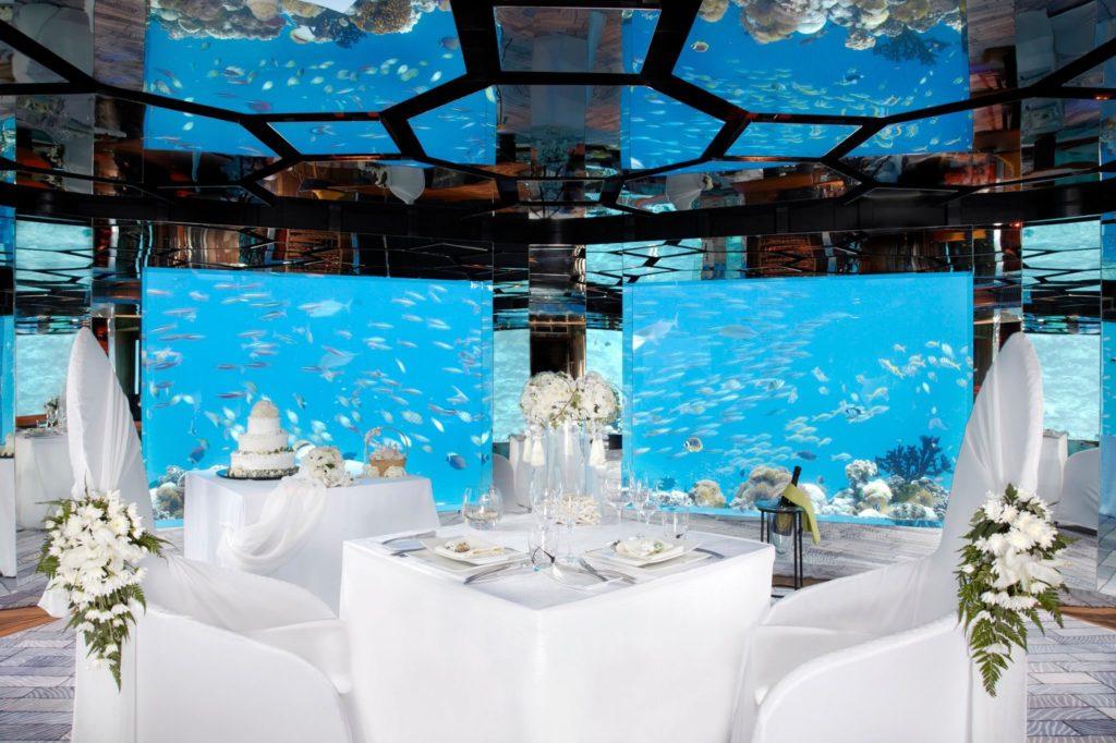 Restaurant under water