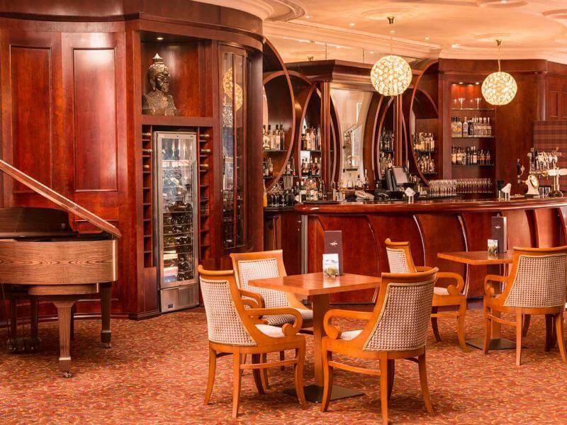 Crozier Lounge