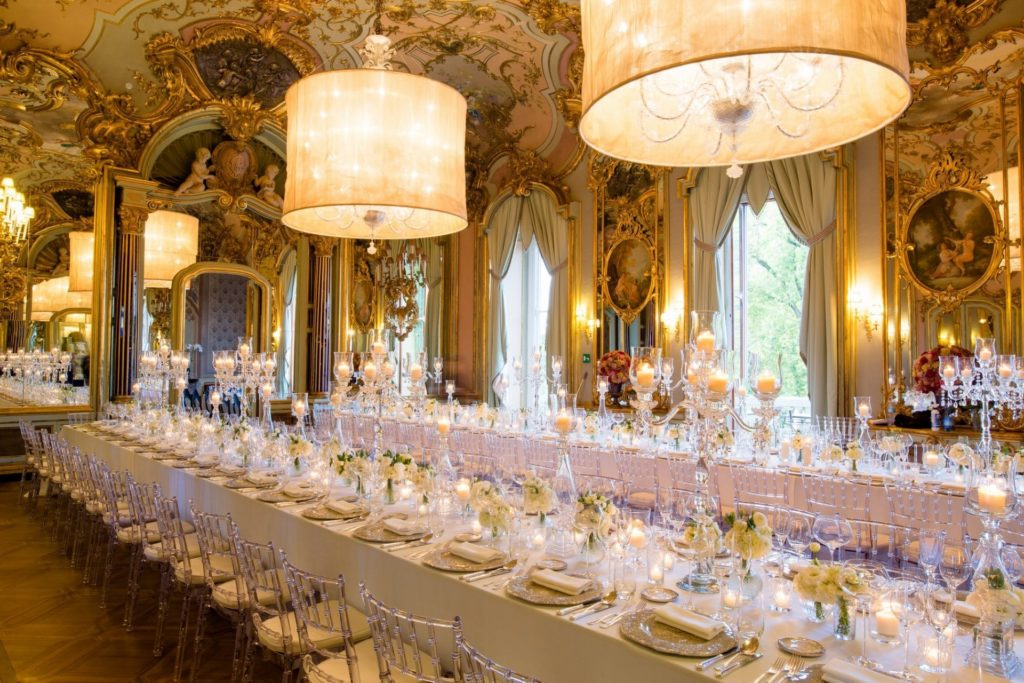 Imperial table in Italian villa wedding
