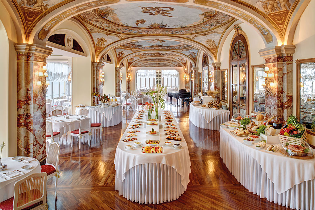 Grand Hotel Excelsior Vittoria Wedding Ballroom