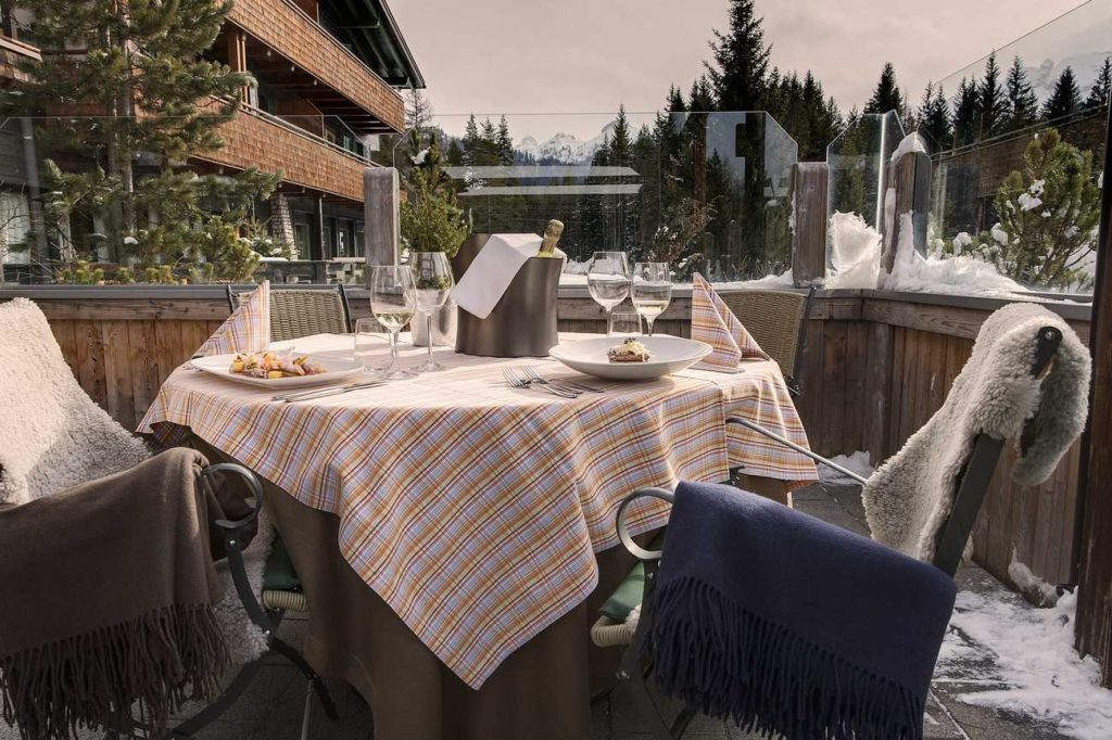 Outdoor Dining in Rustic Glam