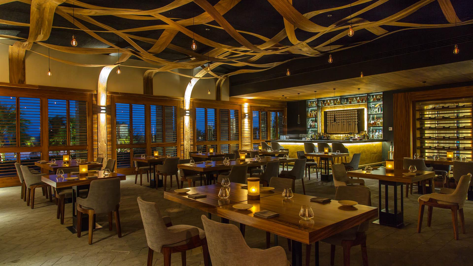 Bu\'ul Restaurant