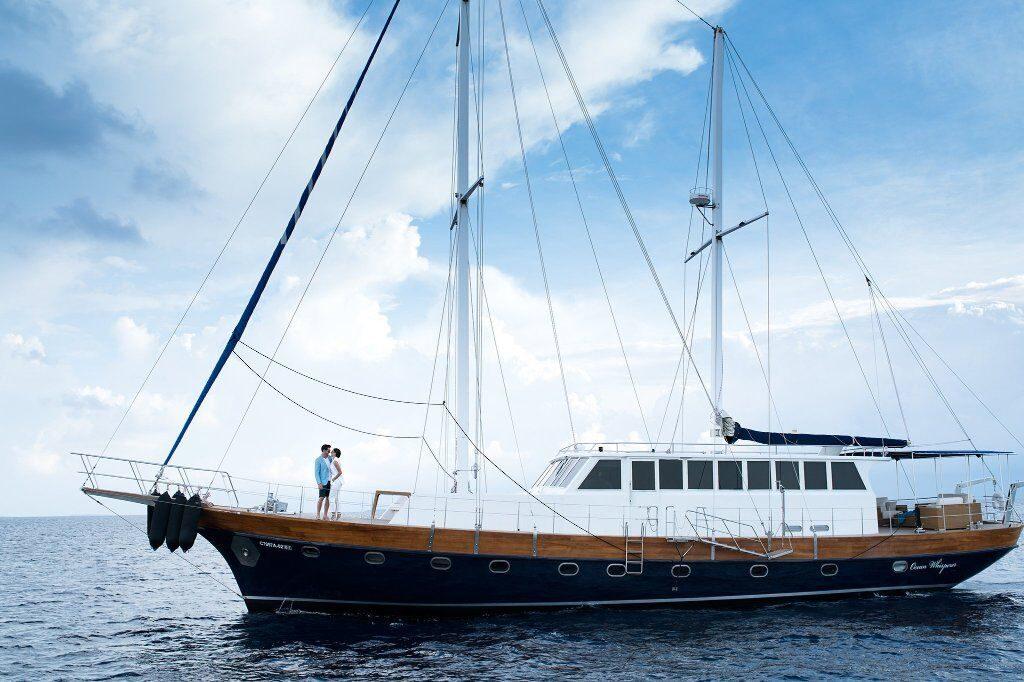 couple on romantic boat ride