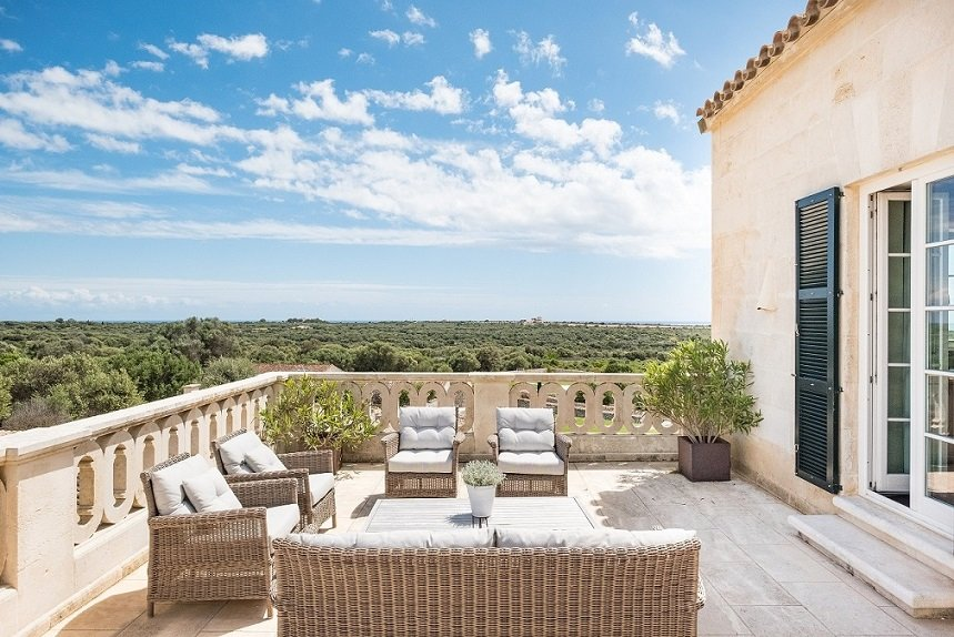 Wedding and honeymoon retreat at Cugo Gran Menorca, Spain