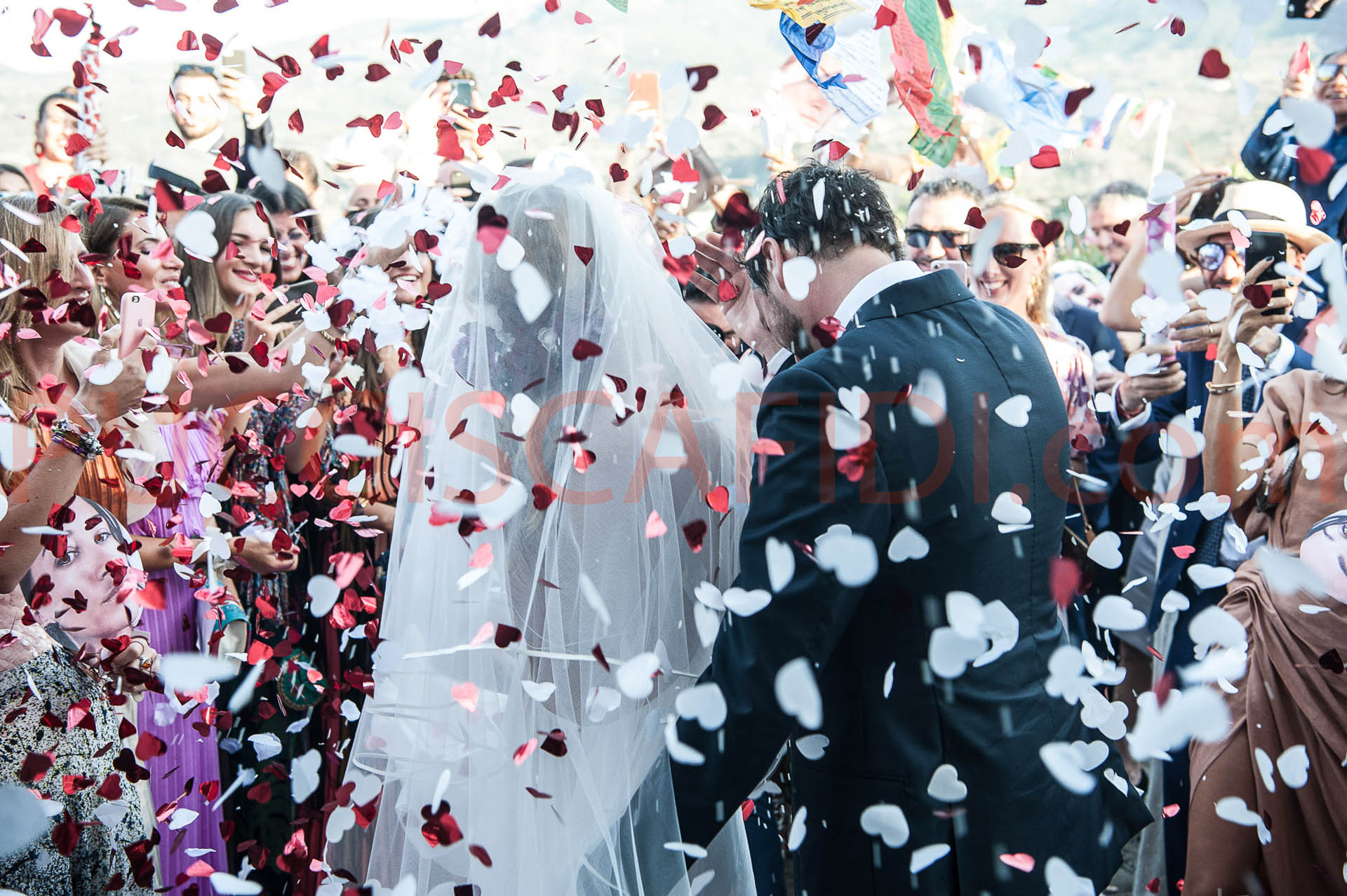9 Spanish Wedding Traditions We Love!