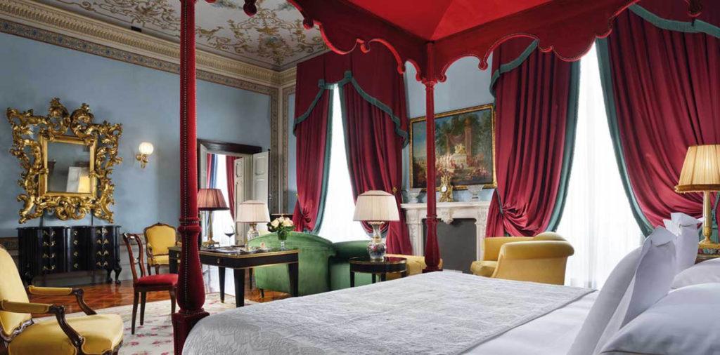 Imperial suite in Italian Villa