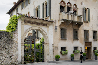 Italian Villa Facade